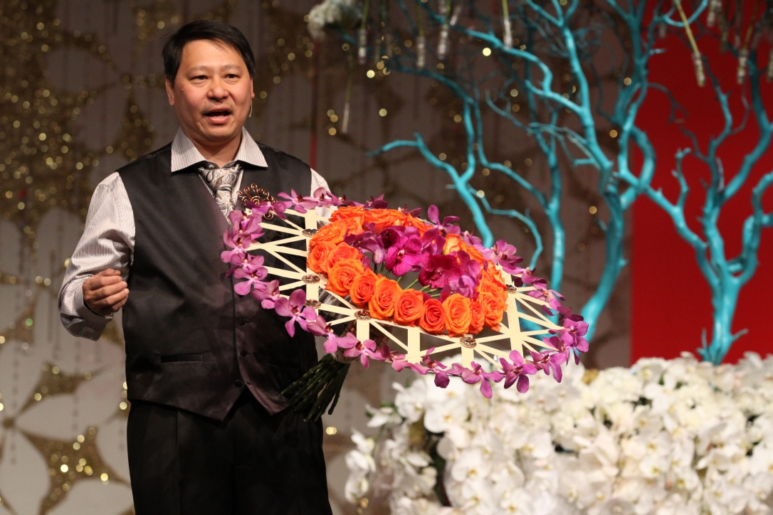 Featured Floral Designer: Gerry Toh, AIFD, CFD, CCF. Based in Mississipi, Gerry Toh has held numerous leaderships roles in the floral design community.