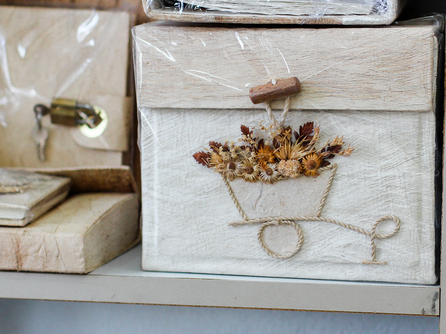 Saa Paper Scrapbook with dried flowers