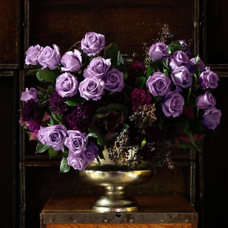 Luxury Blue Rose Arrangement